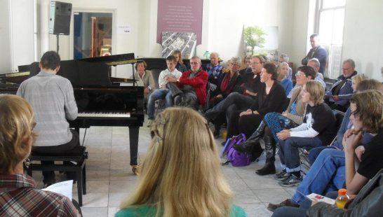 YXIE Piano's